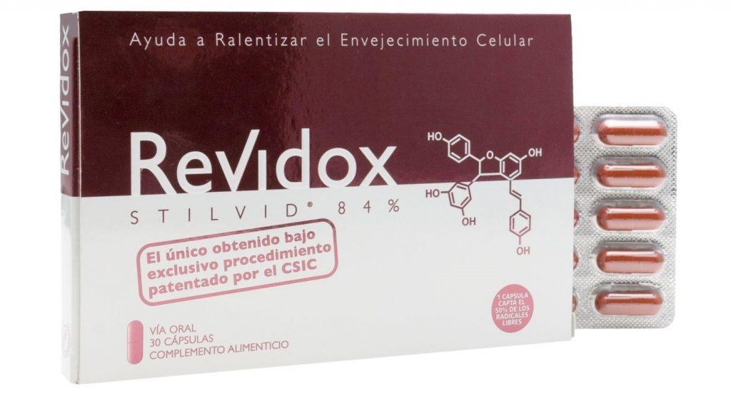 Revidox, la belleza comienza en el interior.  Revidox es el único producto antienvejecimiento cuya eficacia está avalada por estudios clínicos. Retrasa la edad biológica, que es la que tienen las células del organismo, y que está muy influenciada por el estilo de vida. Revidox actúa en el interior, apreciándose desde el exterior.