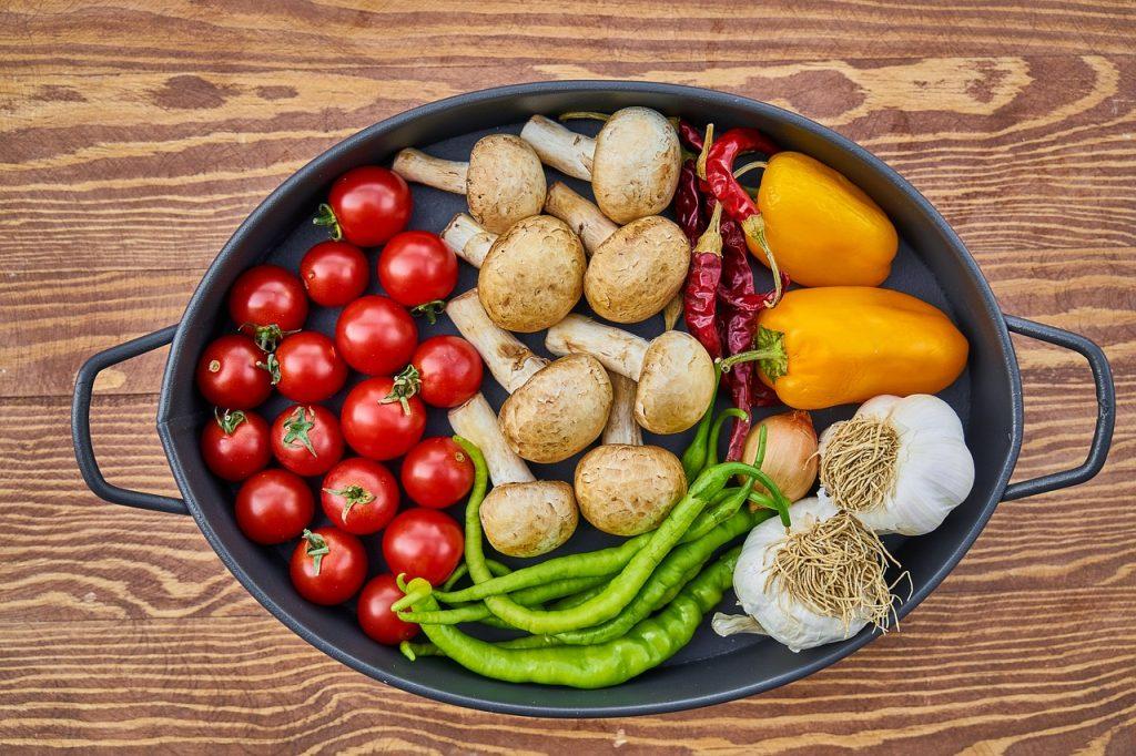 Vitaminas y los minerales imprescindibles en tu dieta cada vez hay más personas sobrealimentadas y a la vez malnutridas