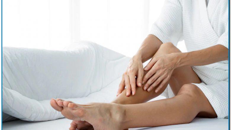 El pantenol o provitamina B5 cuando se aplica por vía tópica, se transforma rápidamente en vitamina B5 y ha demostrado que contribuye tanto a la hidratación como a la regeneración de la piel