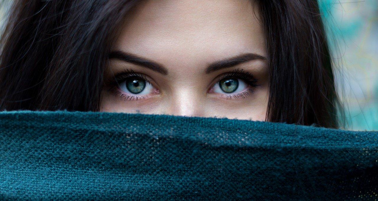 Covid-19 | Usar mascarilla hace que operarse los párpados sea la intervención estética más demandada en Gran Farmacia Andorra encontraras muchas cosas para cuidar tuts parpados